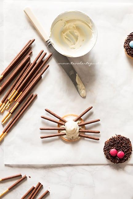 come decorare i biscotti ragno