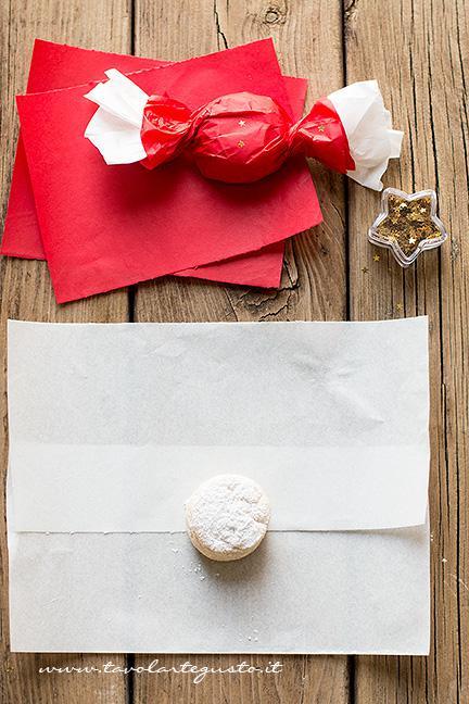 Come impacchettare i biscotti a forma di caramella 2 - Ricetta Polvorones