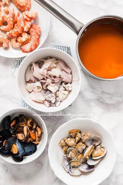 Molluschi, Crostacei e brodo di cottura - Ricetta Risotto alla pescatora