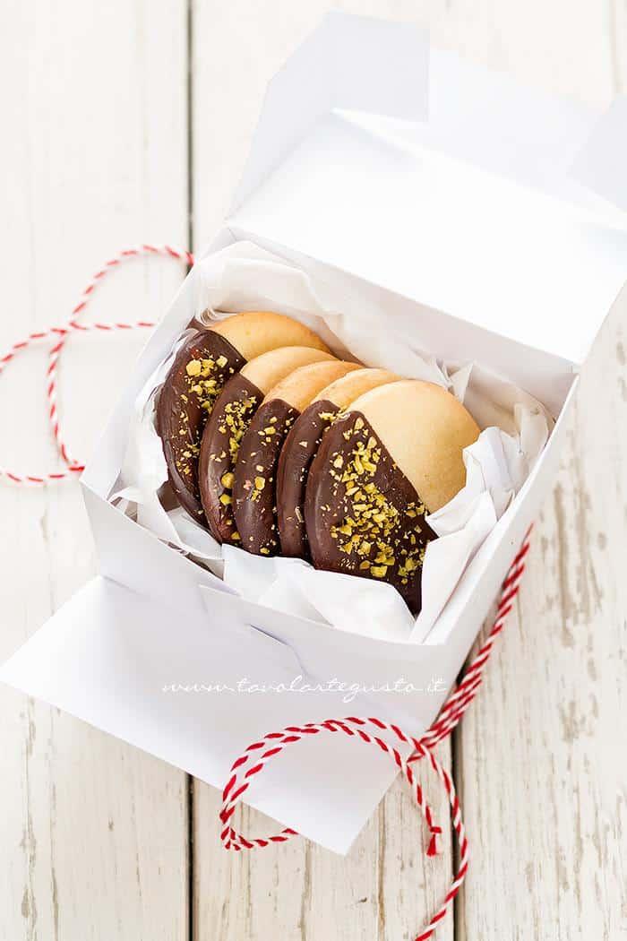 Idee Per Confezionare Biscotti Di Natale.Scatola Per Biscotti Fai Da Te Con Tutorial E Pdf Scaricabile