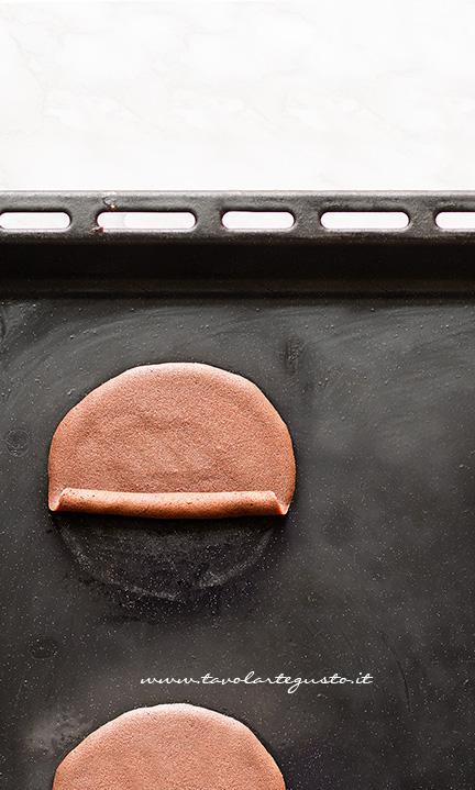 Come arrotolare le cialde a Sigaretta - Ricetta Sigarette di cialda al cacao