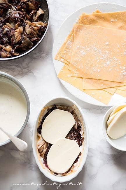 Assemblare le Lasagne al Radicchio3 -  Ricetta Lasagne al Radicchio