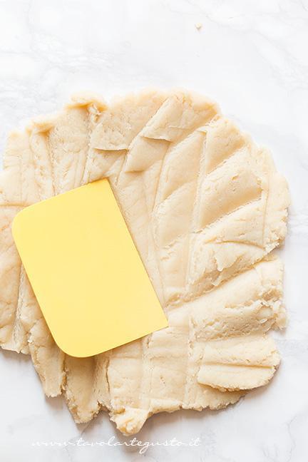 Come preparare l'impasto4 -  Ricetta Zeppole di San Giuseppe fritte