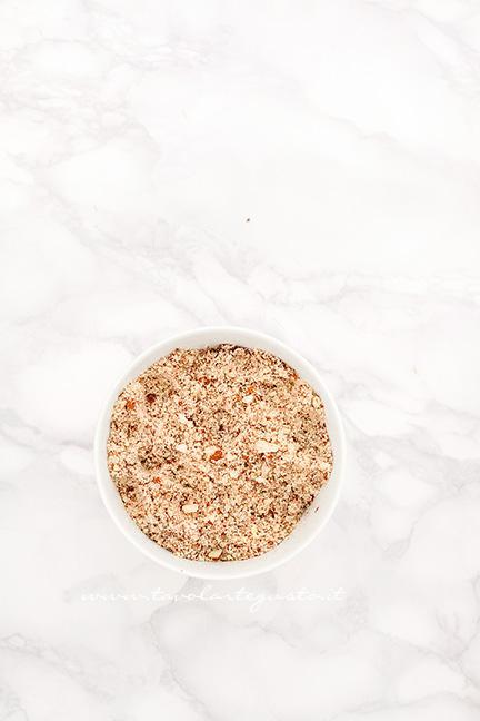 Mandorle tritate - Ricetta Taralli sugna e pepe
