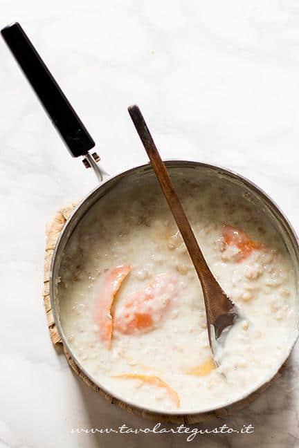 Preparare la crema di grano3 - Ricetta Pastiera napoletana