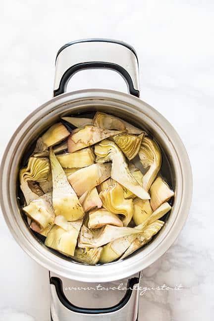 Bollire i carciofi - Ricetta Carciofi carmallati