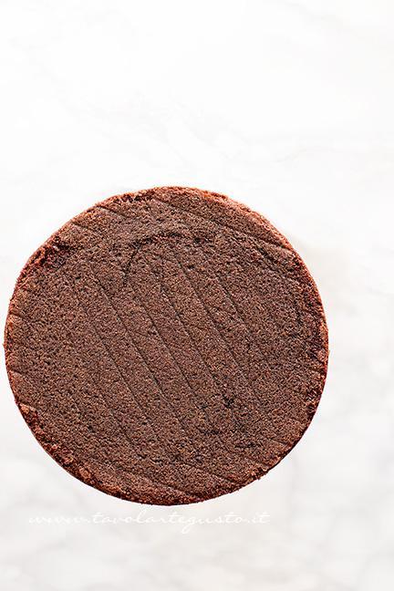 La torta pronta per essere farcita - Ricetta Torta al doppio cioccolato