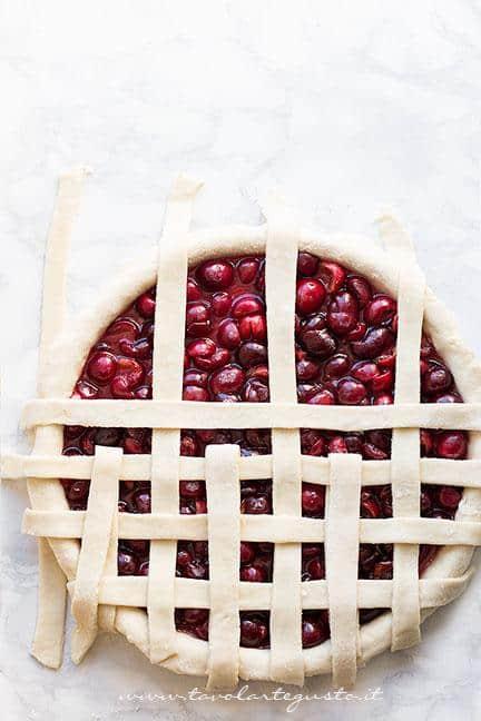 Come fare l'intreccio per la crostata 1 - Ricetta Crostata di ciliegie