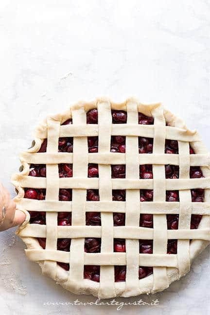 Come fare l'intreccio per la crostata 2 - Ricetta Crostata di ciliegie
