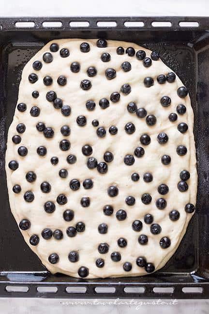 Come farcire la schiacciata con l'uva2 -  Schiacciata con l'uva Ricetta Toscana