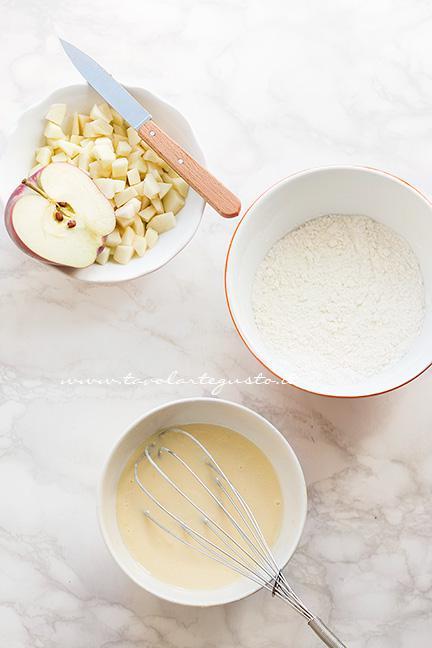 Dividere gli ingredienti secchi da quelli liquidi - Ricetta Muffin alle Mele