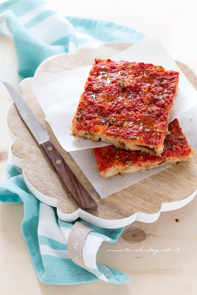 Pizza di Pane - Ricetta Pizza di pane raffermo