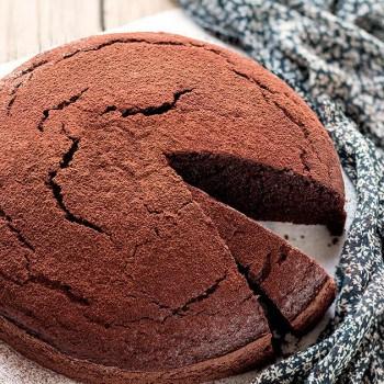 Torta al Cioccolato senza burro velocissima e facile - Ricetta Torta al cioccolato senza burro