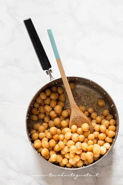 Come condire gli struffoli - Ricetta Struffoli