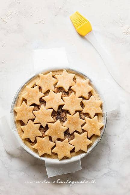 Crostata ricoperta di stelle - Ricetta Crostata di frutta secca