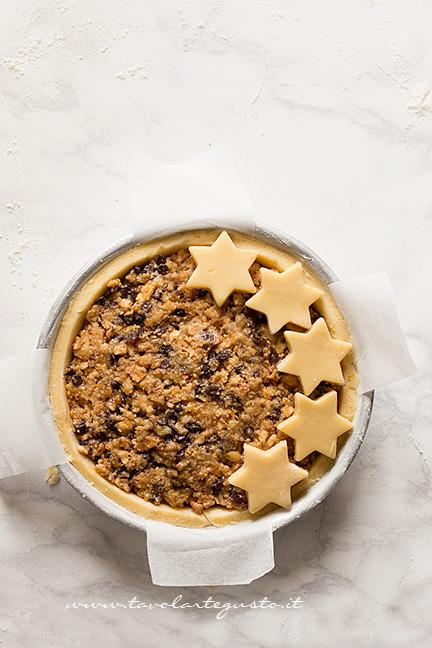 Decorare la Crostata con le stelle - Ricetta Crostata di frutta secca