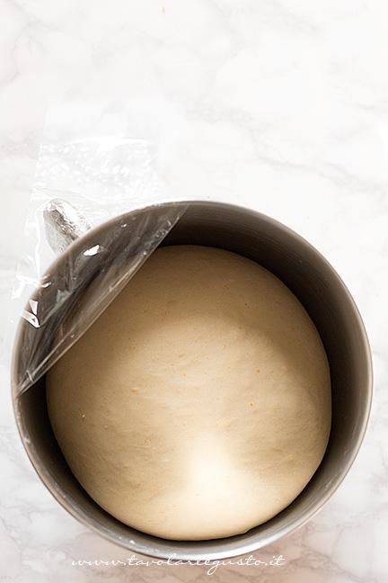 Impasto triplicato di volume - Ricetta Danubio Salato