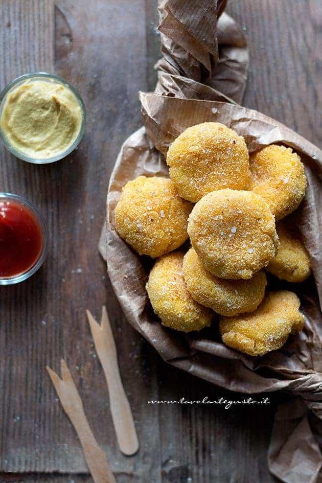 Crocchette di pollo (Chicken Nuggets) - Ricetta Crocchette di pollo