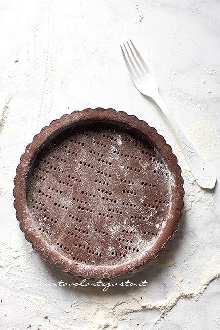 Bucherellare la Tarte con i rebbi di una forchetta - Ricetta Tarte au Chocolat veloce e facilissima