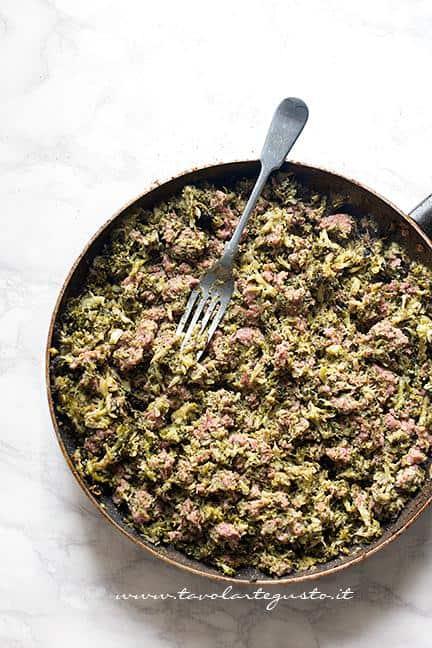Condimento di broccoli e salsiccia - Ricetta Pasta broccoli e salsiccia