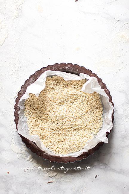 Cuocere in bianco il guscio della Tarte - Ricetta Tarte au Chocolat veloce e facilissima