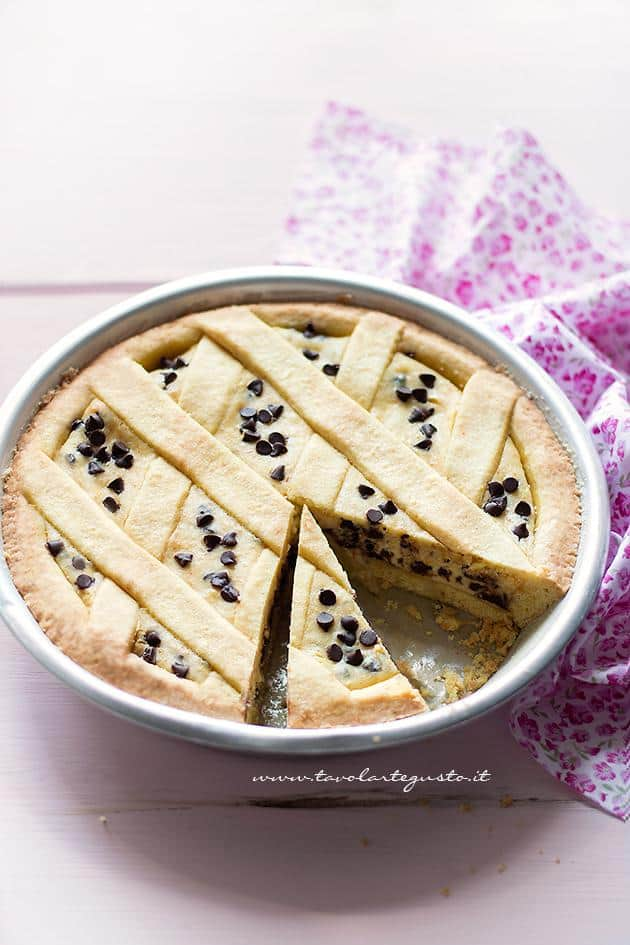 Crostata Ricotta E Cioccolato Cremosa Con Pezzi O Gocce Di Cioccolato