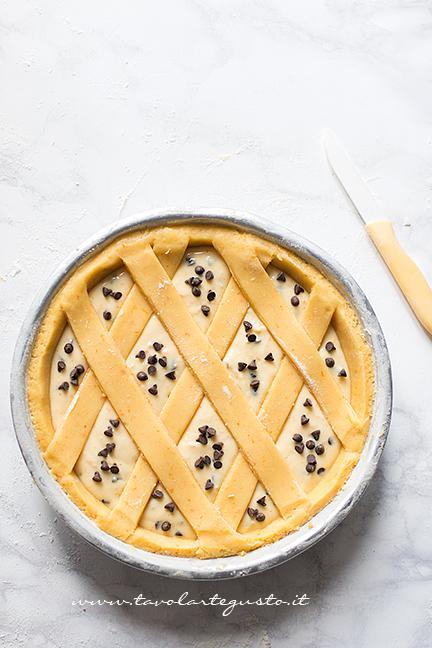 Rifiniture - Ricetta Crostata di Ricotta Cremosa con gocce di cioccolato