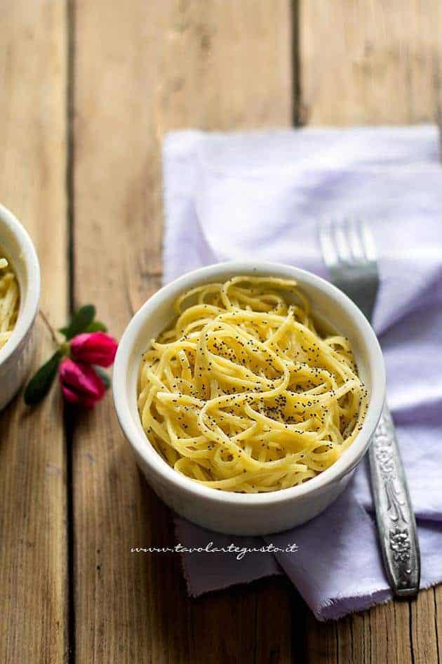 Spaghetti al limone - Ricetta Spaghetti al limone (Pasta al limone)