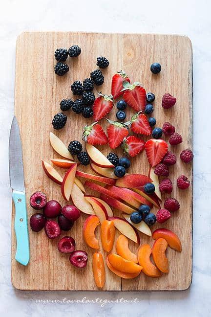 Affettare la frutta - Ricetta Crostata senza cottura alla frutta