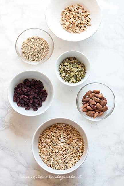 Cereali, semi e frutta secca - Ricetta Barrette ai Cereali