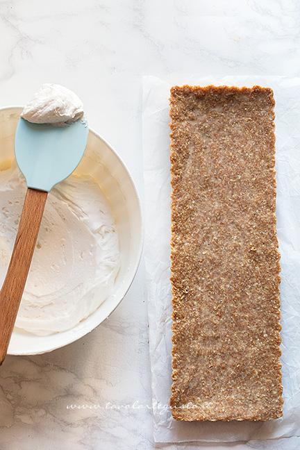 Farcire con le crema la crostata - Ricetta Crostata senza cottura alla frutta
