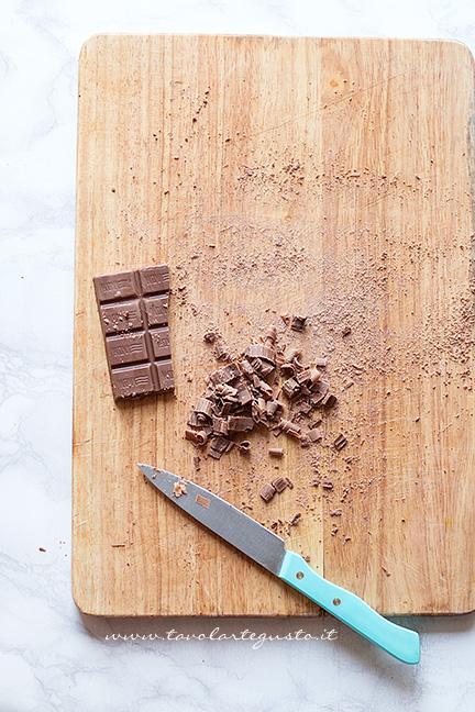 Realizzare i riccioli di cioccolato - Ricetta Cheesecake alla Nutella