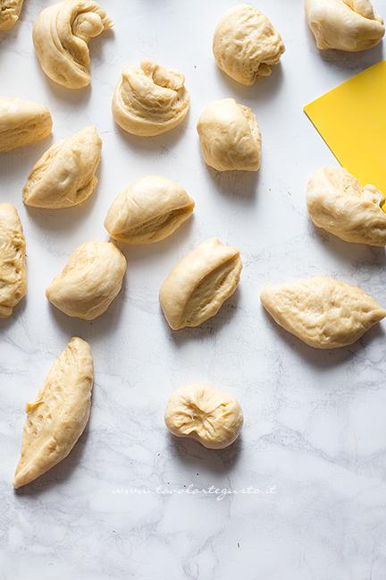 come-formare-i-panini-al-latte1-ricetta-panini-al-latte