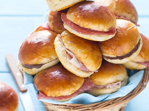 Ricetta Hamburger Panino.Panini Al Latte Morbidissimi Perfetti Per Buffet Ricetta Facile Passo Passo