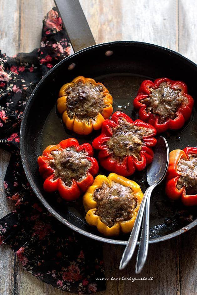 Peperoni Ripieni di carne Ricetta Peperoni ripieni di carne