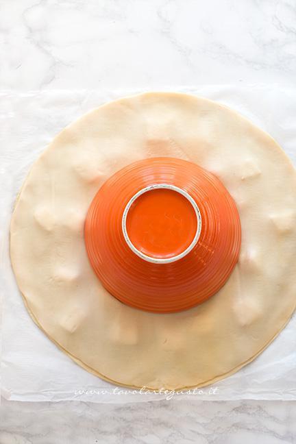 Come fare la Torta salata a forma di Stella, tutorial passo passo 1 - Ricetta Stella di pasta sfoglia