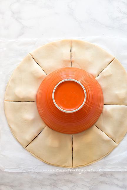 Come fare la Torta salata a forma di Stella, tutorial passo passo 3 - Ricetta Stella di pasta sfoglia