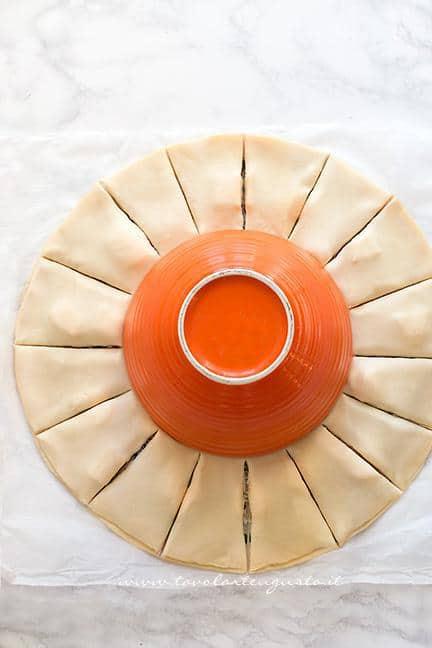 Come fare la Torta salata a forma di Stella, tutorial passo passo 4 - Ricetta Stella di pasta sfoglia