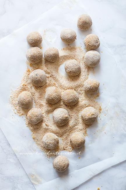 Polpette di lenticchie pronte da cuocere - Ricetta Polpette di lenticchie
