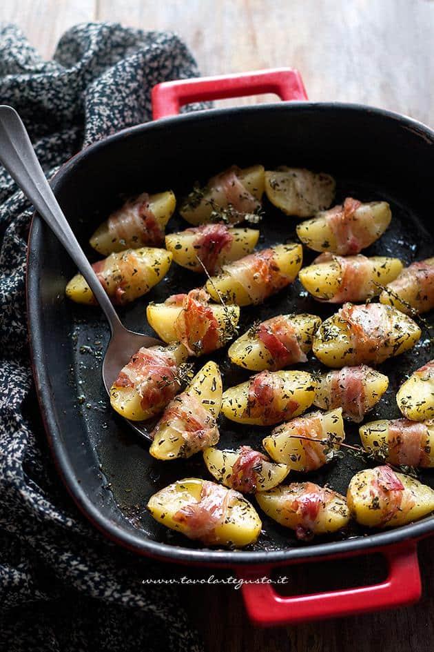 Patate al forno con pancetta - Ricetta Patate al forno con pancetta
