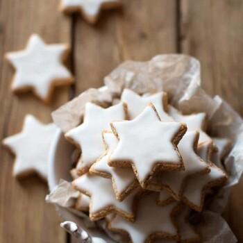 Zimtsterne - la Ricetta originale dei Biscotti Stelle di Cannella - Ricetta Zimtsterne