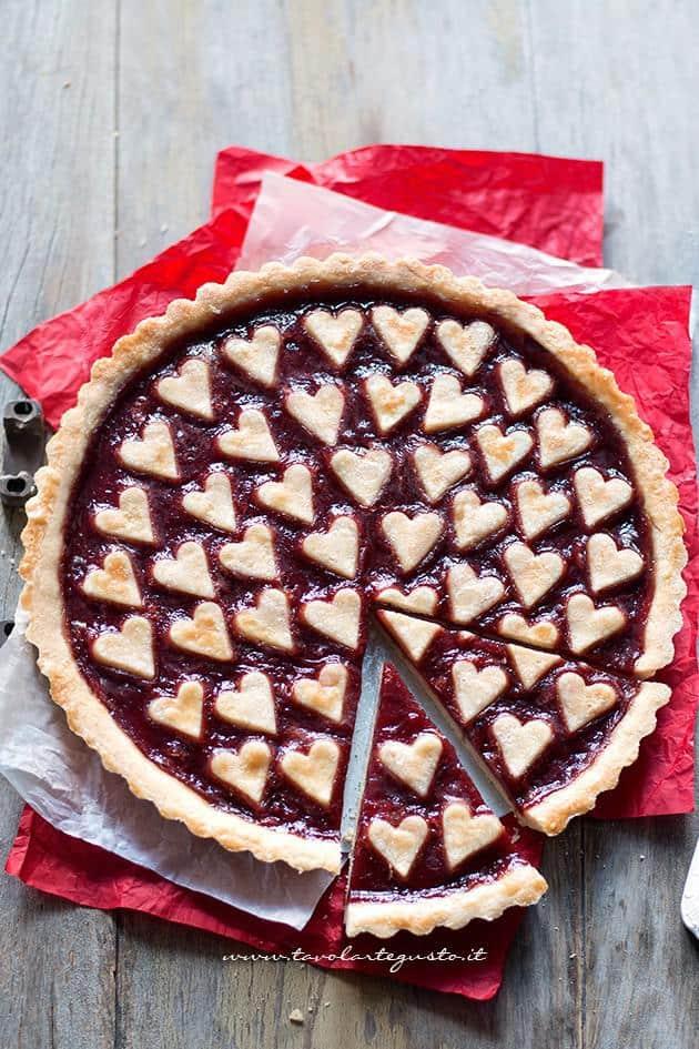 Crostata con cuori per San Valentino - Ricetta Crostata con cuori