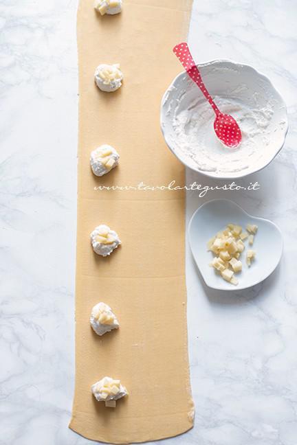 Come farcire i ravioli a cuore - Ricetta Ravioli a forma di cuore