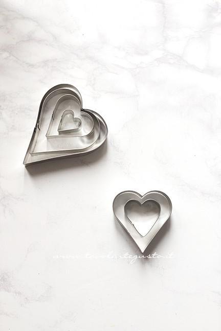 Stampini a forma di cuore - Ricetta Cuori di Pasta Sfoglia