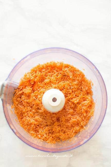 carote grattugiate con olio, burro e succo d'arancia - Ricetta Camille