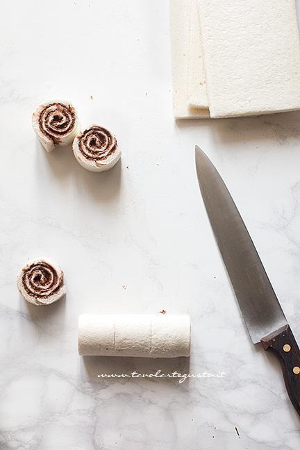 Affettare le girelle - Ricetta Girelle di pancarrè alla nutella