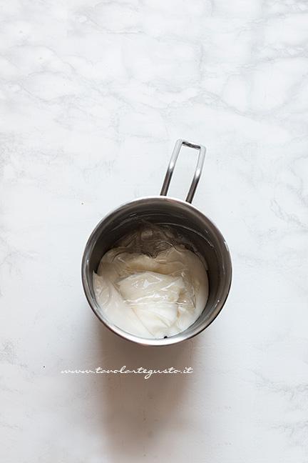 Aggiungere la gelatina - Ricetta Cheesecake alla ricotta