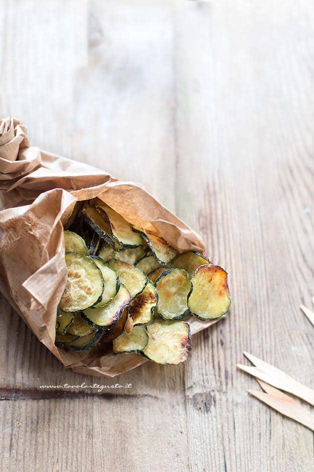 hot sale online 6a38b cbfe1 Chips di zucchine croccanti (al forno)