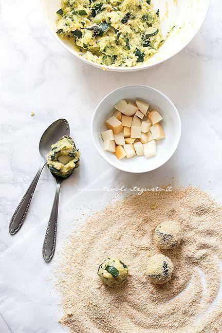 Come fare le polpette di zucchine - Ricetta Polpette di zucchine