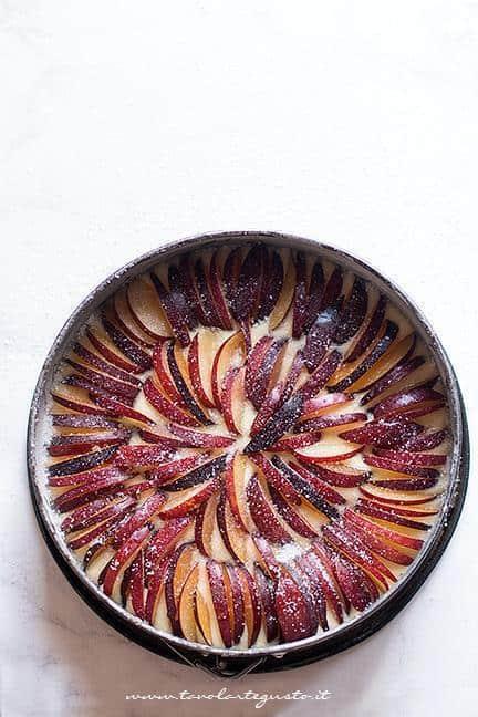 Come fare la Torta alle prugne soffice - Ricetta Tavolartegusto